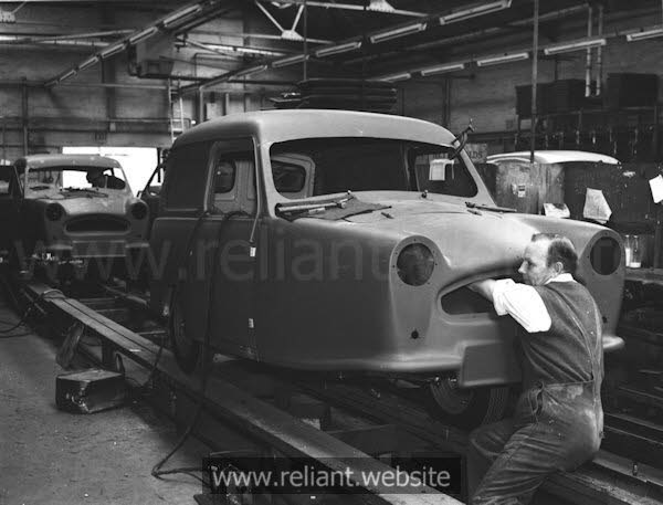 Reliant Regal  Mk VI production line
